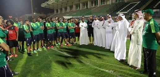 خالد بن عبدالله يطالب لاعبي الأهلي بمضاعفة الجهود