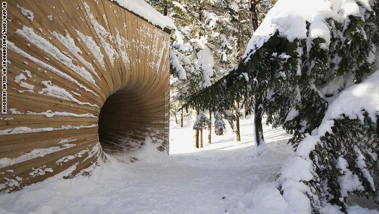 """كوخ """"بورتال إن ذا باينز"""" في هوردالاند، النرويج:"""