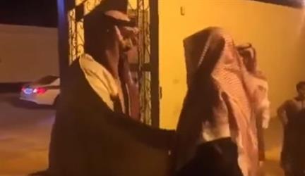 بالفيديو .. الأمير محمد بن سلمان يزور الشيخ الفوزان بمنزله