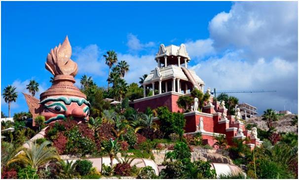 """شُيدت حديقة """"سيام بارك"""" في جزيرة """" تينيريفي"""" إحدى جزر الكناري عام 2008، وهي حديقة مائية كبيرة، تحتوي على العديد من الألعاب الم"""
