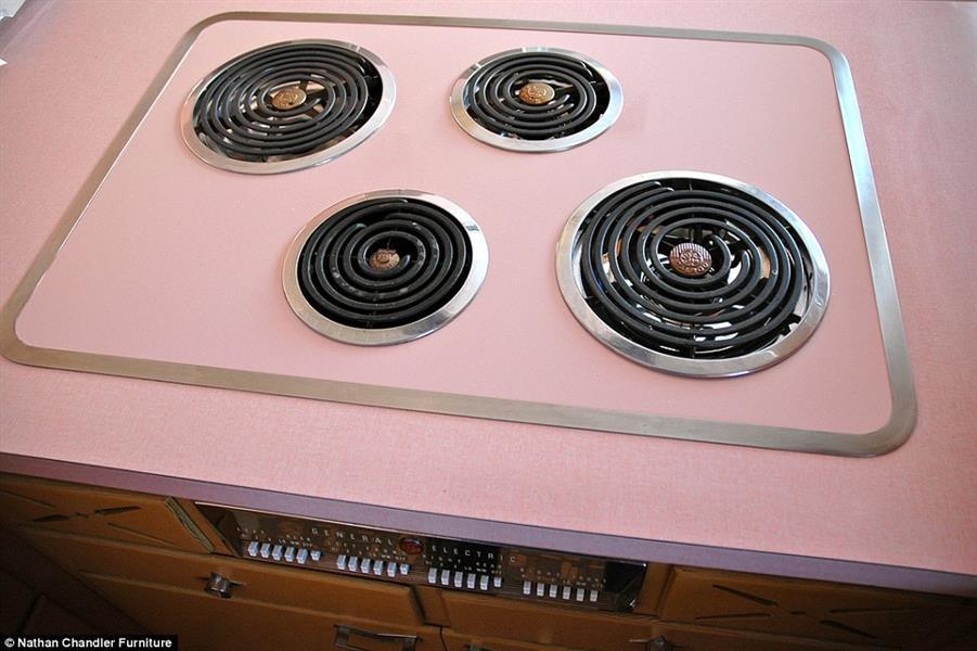 الحذر مطلوب ممن يستخدم هذا الموقد الوردي، حتى يحافظ على نظافته