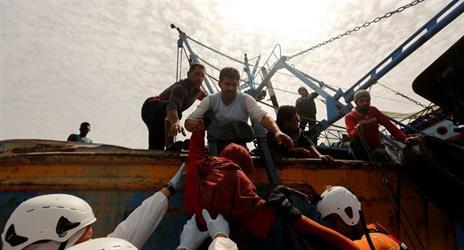إنقاذ 9 آلاف مهاجر في البحر المتوسط