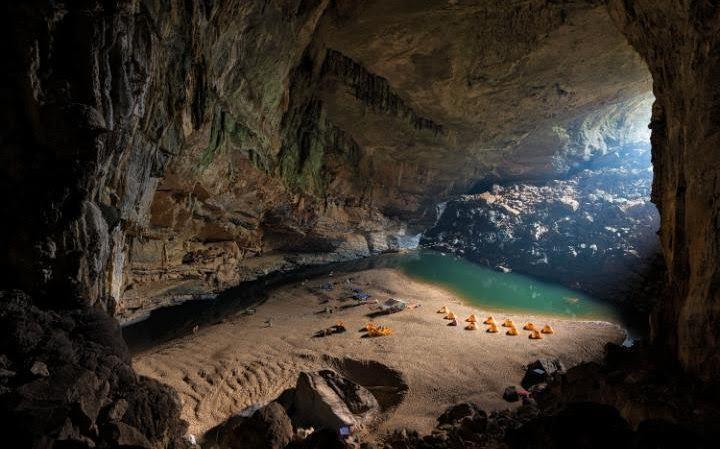 صور مُذهلة من داخل أكبر كهف في العالم