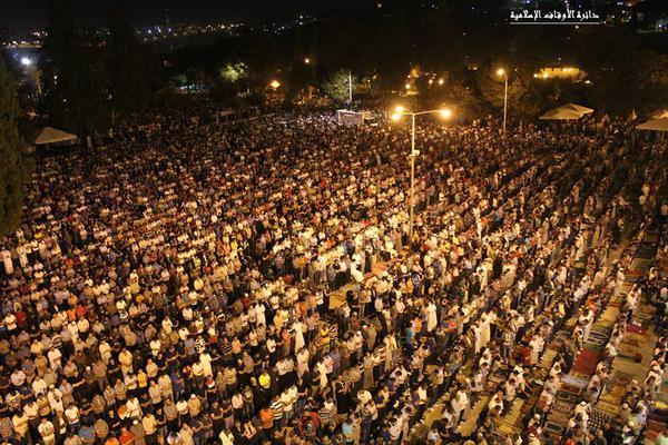 صلاة التراويح في المسجد الأقصى