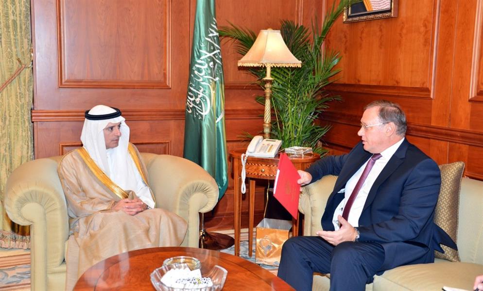 بالصور.. وزير الخارجية يستقبل سفير روسيا لدى المملكة