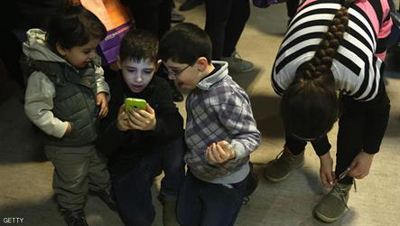 استخدام الهاتف قد يضر الأطفال