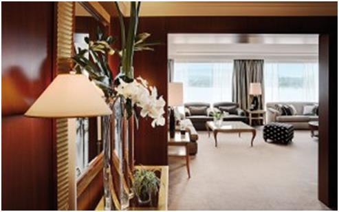 """جناح """"بنتهاوس الملكي"""" في فندق """"بريزدنت ويلسون"""" بالعاصمة السويسرية - """"جنيف"""", ويبلغ سعر إقامة الليلة الواحدة فيه 83 ألف دولار."""