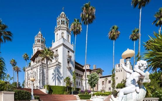 """حديقة """"قلعة هيرست"""" في ولاية كاليفورنيا الأمريكية"""