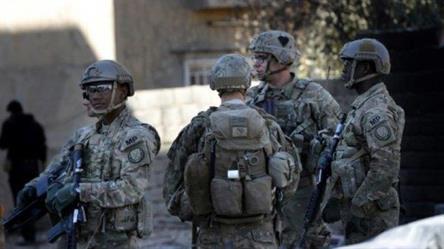 جنود أمريكيون في قاعدة عسكرية قرب الموصل