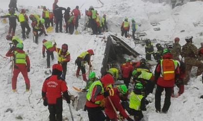 عمليات الانقاذ والتحقيقات مستمرة في انهيار الفندق في ايطاليا