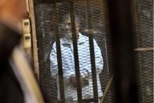 تأجيل محاكمة مرسي بتهمة اقتحام السجون إلى مطلع مارس