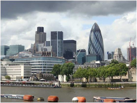 """تُعرض حاليًا ناطحة السحاب الأشهر في لندن """"غيركين"""" للبيع بسعر 650 مليون دولار, وهو مايعادل تكلفة شراء 15 طائرة """"ايرباص""""."""