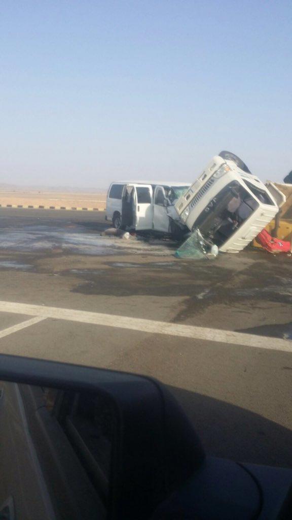 وفاة معلمة وإصابة 8 وسائقهن في حادث مروري بالمدينة